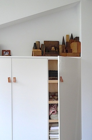 diy m belgriffe aus leder salong wohnst cke. Black Bedroom Furniture Sets. Home Design Ideas