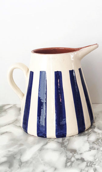 Keramikpitcher Stripes blue von Casa Cubista aus Portugal